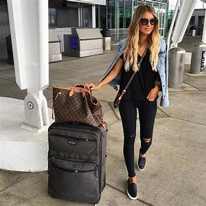 Best 25+ Airport outfits ideas on Pinterest   Traveling outfits Travel outfits and Travelling ...