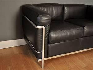 lc2 cassina canape le corbusier perriand jeanneret maison With tapis moderne avec canapé le corbusier cassina prix