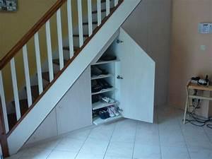 Amenager Sous Escalier : am nagement de placards sous escaliers les cr ations de ~ Voncanada.com Idées de Décoration