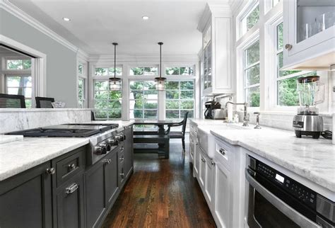 small kitchen galley 1000 ideas about white galley kitchens on 2355