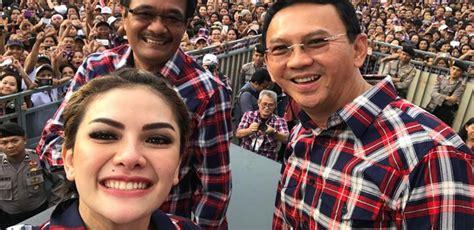 Nikita Mirzani Goyang Demi Ahok Netizen Bilang Cuma Pamer