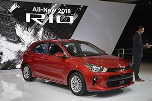 Rio Autos : 2018 kia rio sedan 5 door make u s debut in new york carscoops ~ Gottalentnigeria.com Avis de Voitures