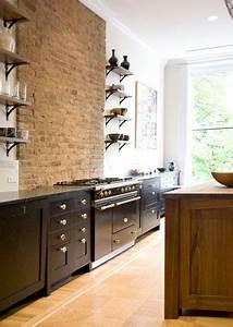 Deco Mur Cuisine : un mur en brique c 39 est styl en d co de cuisine ~ Teatrodelosmanantiales.com Idées de Décoration