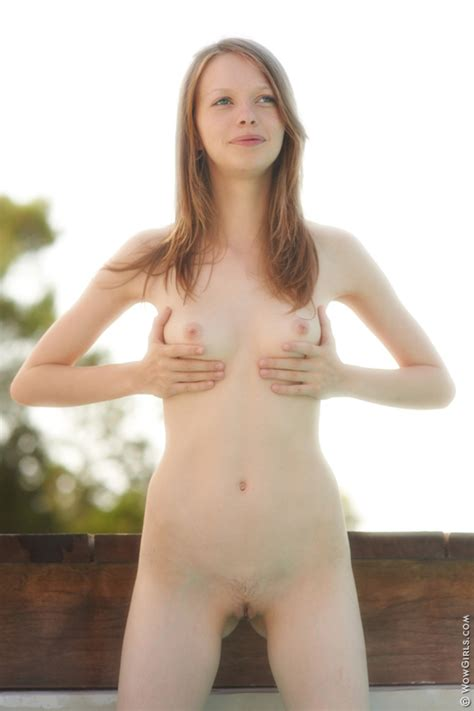 Naked Fay Outdoors By Wow Girls Erotic Beauties