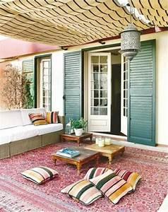 Ein farbiger terrassenteppich wird ihren balkon schon for Balkon teppich mit versace tapete blau