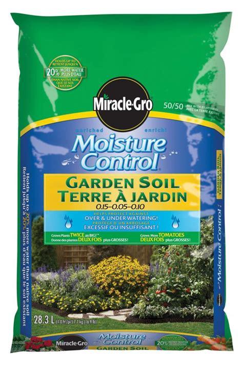 miracle gro miracle gro moisture garden soil 28 3l