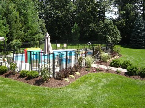 pool fence landscaping ideas 25 best ideas about fence around pool on pinterest backyard fences white fence and types of