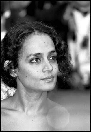 The IndiAgent News Times: Young Arundhati Roy pictures