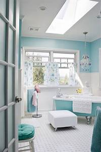 Choisir la couleur de la salle de bain 21 idees de for Salle de bain bleu et blanc