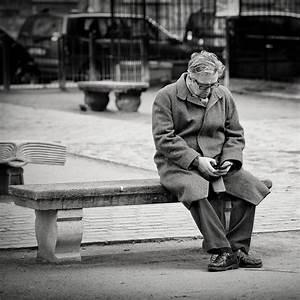 Isolement Des Personnes Ges Une Triste Ralit