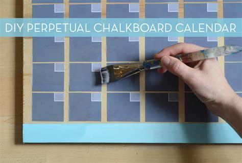 easy perpetual chalkboard calendar