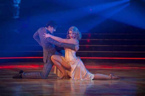 dancing   stars lauren alaina halloween night