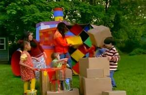 The gallery for --> Playhouse Disney Out Of The Box