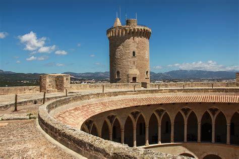 bellver castle castle  mallorca thousand wonders