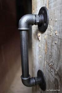 Tuyau Fonte Noir : description this door handle is made from black cast iron plumbing ~ Dode.kayakingforconservation.com Idées de Décoration