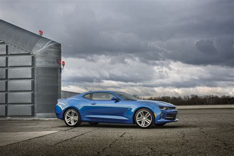 2016 Chevrolet Camaro Debuts; Turbo 4-cylinder Available