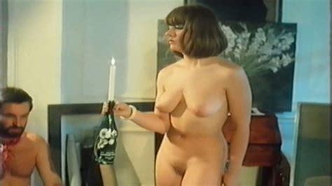 Naked Samantha In Partouzes