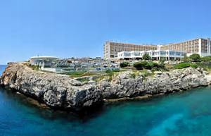 Adults only or family hotels on the beaches in Menorca