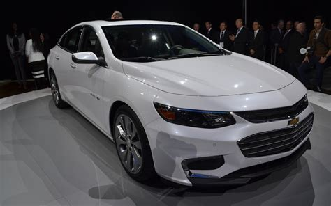 2018 Chevy Malibu Is The Elegant Midsize Sedan Carbuzzinfo