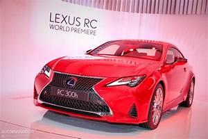 Lexus Rc 300 : 2019 lexus rc 300h seems lonely in paris autoevolution ~ Maxctalentgroup.com Avis de Voitures
