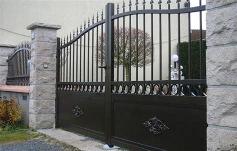 pilier portail tout savoir sur les piliers de portail et leur montage