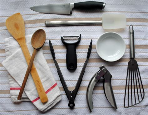kitchen essentials  top  favorite cooking tools