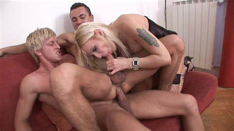 Pretty Delights For Hunk Sweet Dark Stepdaddy Lets His Penis Sucked By Manly Hunk Porn 91 De