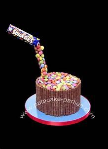 Pat-a-Cake Parties: Gravity-Defying Smarties Cake