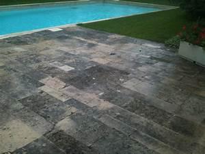 nettoyer terrasse noircie conseils et vente de decapant With nettoyage terrasse carrelage exterieur