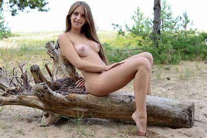 Marika Naked Outdoor Xxx Ru Ftop Amateur