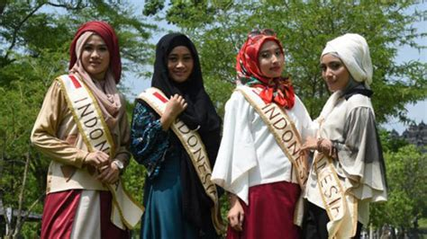 indonesian muslim pageant challenges western beauty contests