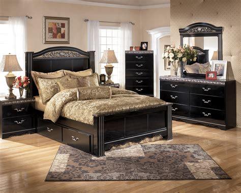 Ashley Furniture Constellations B104 Poster Bedroom Set