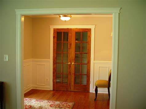 How To Install Wainscoting Well And Easily