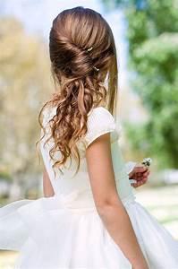 Coiffure Facile Pour Petite Fille : chignon fillette pour mariage coupe cheveux long ~ Nature-et-papiers.com Idées de Décoration