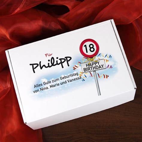 geschenkideen zum 18 geburtstag für jungs geschenkbox zum 18 geburtstag mit verkehrszeichenmotiv