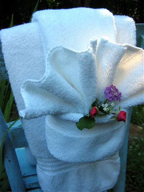 towel folding ideas for bathrooms the chair fancy shmancy towel fold tutorial