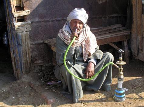 fumando shisha
