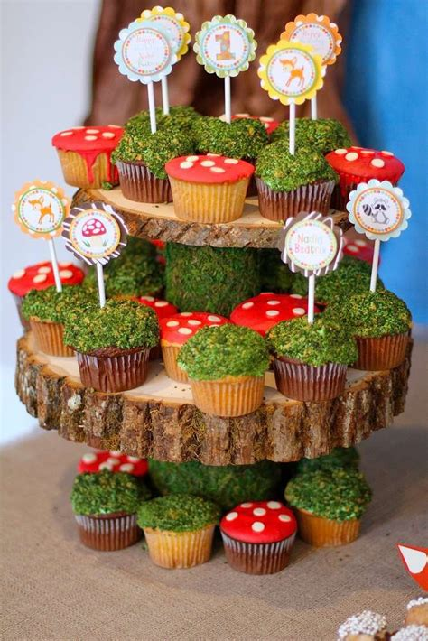 woodland forest friends birthday party ideas cupcakes