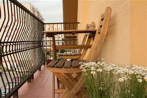 balkonmobel profi tipps auf ideen balkonde With französischer balkon mit sonnenschirm aus geldschein falten