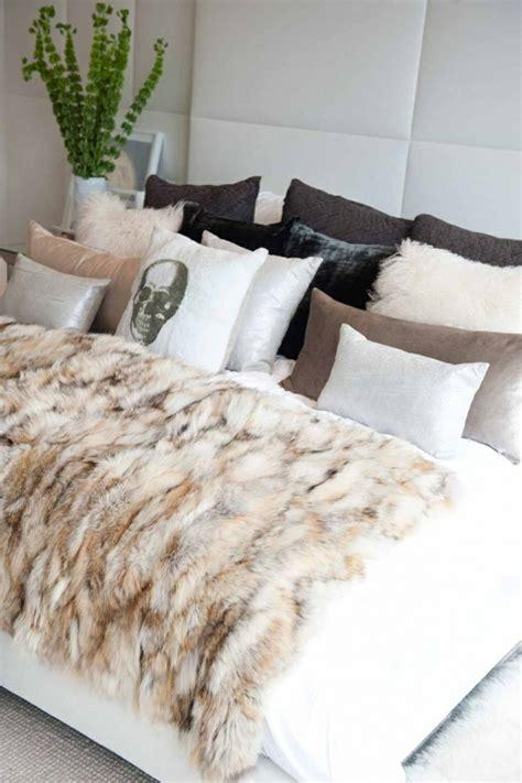 grand plaid pour canapé d angle le meilleur plaid en fourrure en 40 photos inspirantes