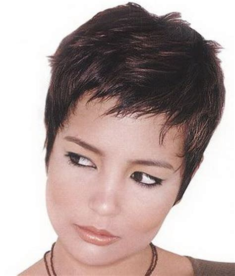 short cropped hairstyles for women