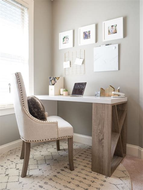 Decorating Ideas For Small Bedroom Office by Best 25 Small Office Decor Ideas On Desk