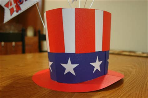 craft  bee patriotic hat
