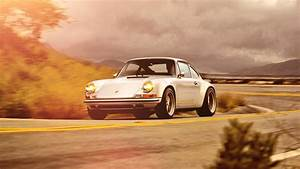 Top Gear drives Singer's mighty Porsche 911