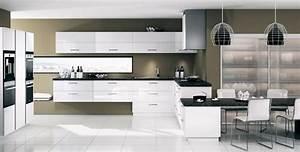 cuisine equipee kiffa blanc brillant mobalpa cuisine With idee deco cuisine avec cuisine Équipée noir et blanc