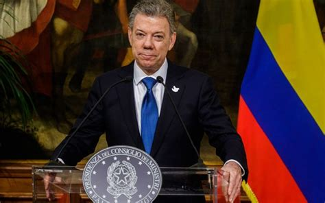 president  colombia calls  war  drugs  nobel