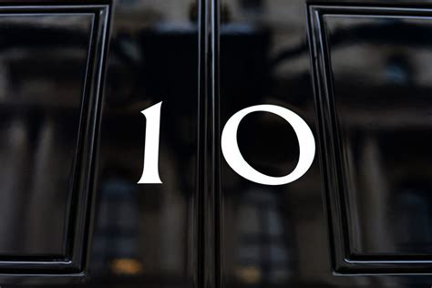 Number 10 Downing Street Courtesy Crown Copyright/wikicomm