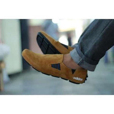 Sepatu Santai Buccheri sepatu casual pria slip on loafers kerja sepatu santai
