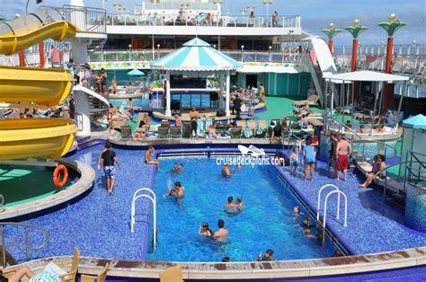 Norwegian Gem Tahitian Pool Pictures