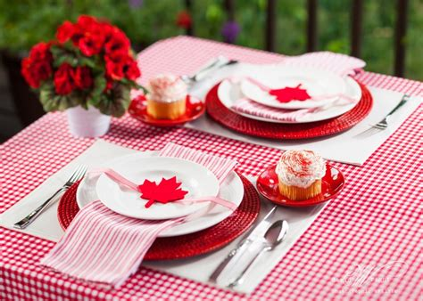 deco cuisine cagnarde canada day table setting july days canada